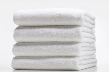 """""""Mẹo nhỏ"""" tẩy trắng và khử mùi khăn tắm cho khách sạn"""