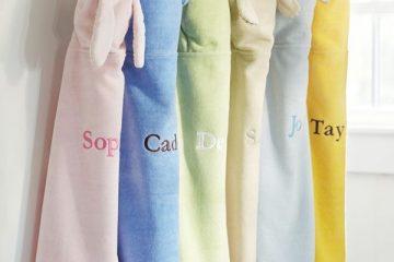 Nên dùng khăn bông tắm mềm mại hay thấm hút?