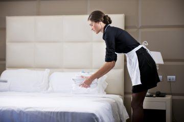 Cách vệ sinh chăn ga khách sạn