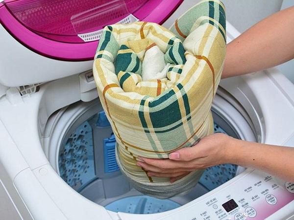 3 bước giặt nệm trong khách sạn