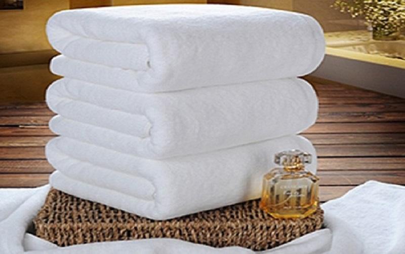 """Cách phân biệt khăn bông khách sạn """"chất lượng"""" và khăn """"rởm"""""""