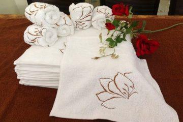 Bạn đã biết cách gấp khăn spa thật ấn tượng chưa?