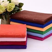 So sánh chất liệu khăn bông và khăn microfiber