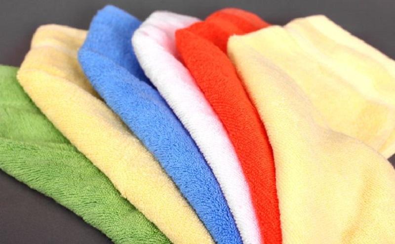 Làm sạch da với khăn spa nóng!