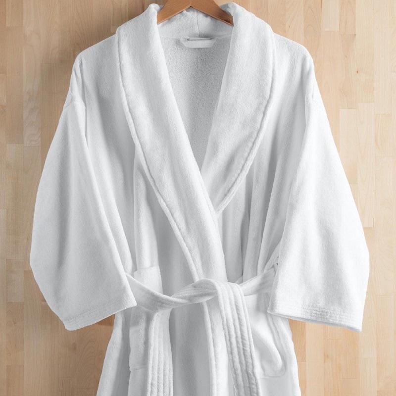 Ưu và nhược điểm của những loại áo choàng tắm phổ biến hiện nay