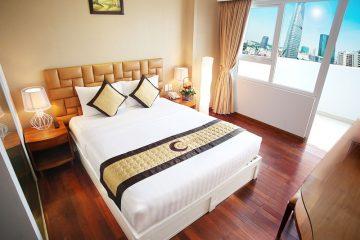 Chuyên gia tư vấn: có cần thiết giặt chăn ga gối khách sạn mới không?