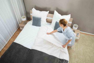 Chú ý 4 thời điểm VÀNG mà Housekeeping cần thay chăn ga khách sạn