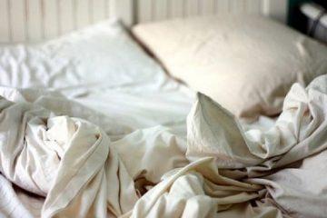 CHÚ Ý! Nguy cơ gây bệnh sau khi sử dụng chăn ga gối đệm cho nhà nghỉ